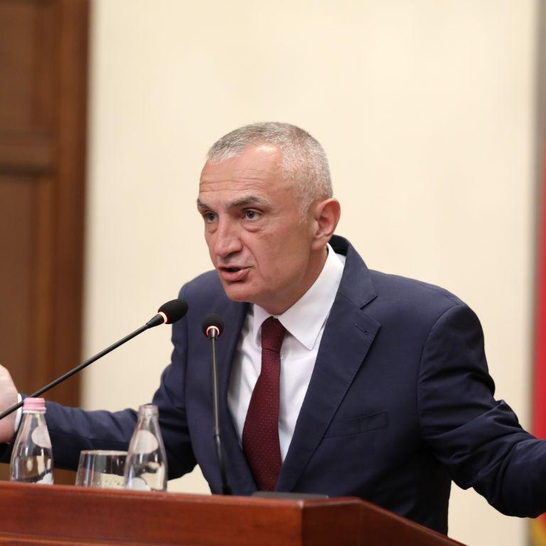 Парламент Албанії оголосив імпічмент президенту: у чому його звинуватили