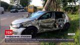 Новини України: поблизу Львова не розминулися вантажівка і легковик