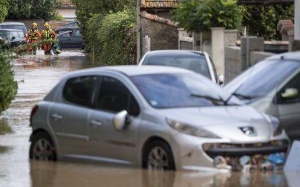 На півдні Франції двоє людей зникли безвісти через сильну повінь