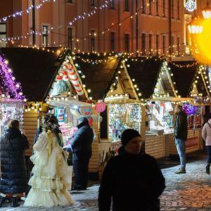 Часть рождественской ярмарки во Львове во время локдауна закроют: что будет работать