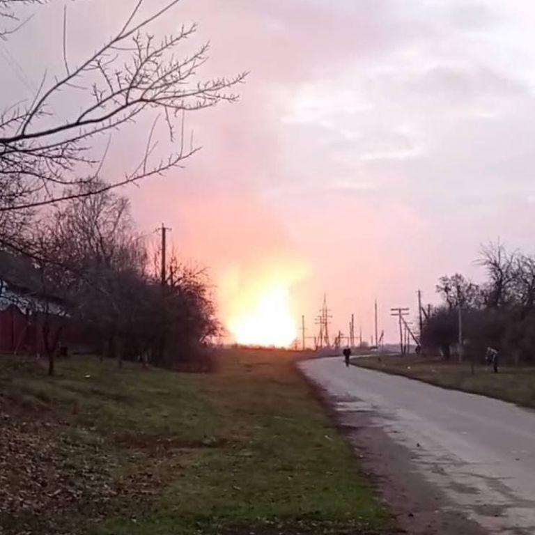 """""""Дрожат все окна, казалось, что упал самолет"""": очевидцы рассказали о мощном взрыве в Полтавской области"""