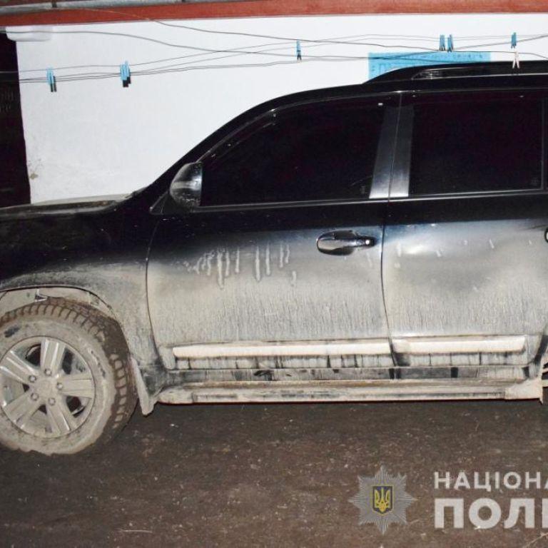 В Винницкой области водитель на внедорожнике сбил насмерть пешехода и скрылся с места аварии: фото