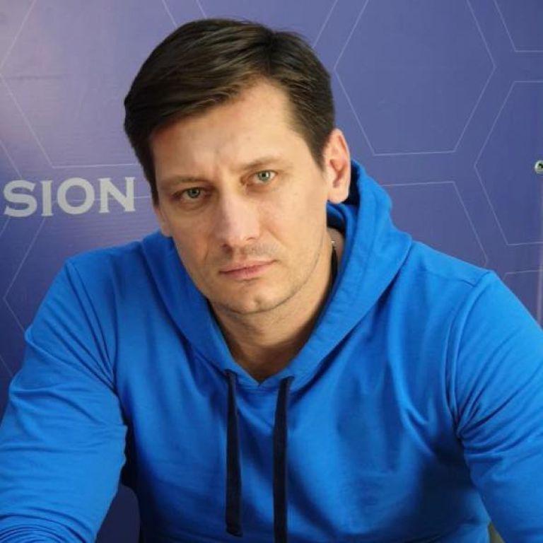 Оппозиционер Дмитрий Гудков уехал из РФ  из-за уголовного дела