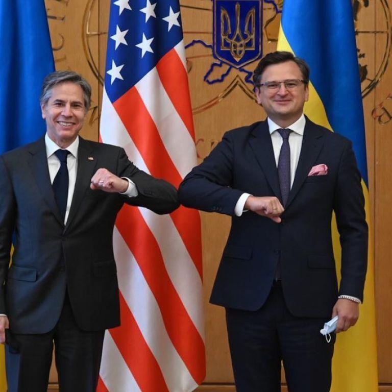 Перша зустріч Блінкена в Україні завершилася: Держсекретар США поговорив з міністром Кулебою