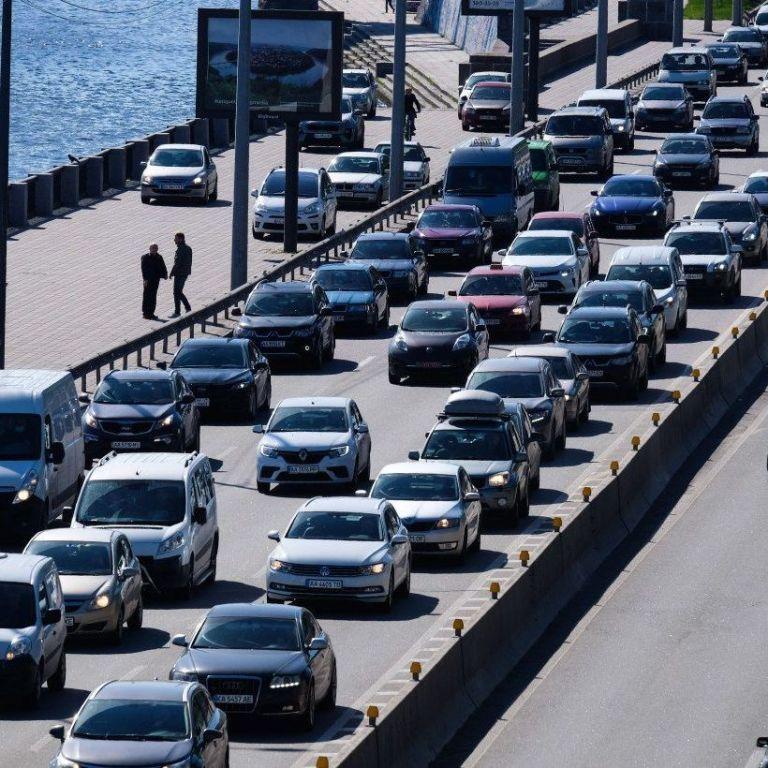 Киев после выходных охватили пробки: где труднее всего проехать