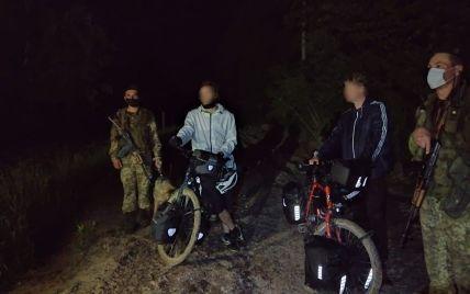 Думали, що ЄС: двоє німців на велосипедах під час навколосвітньої подорожі незаконно в'їхали до України