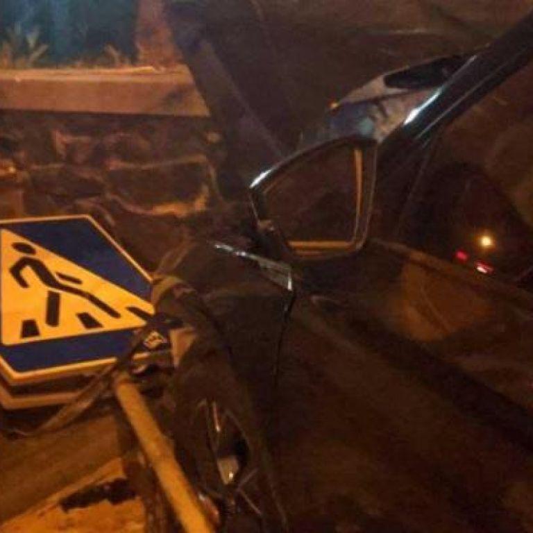 Протаранив таксі і збив пішохода: у Рівному шукають водія, який втік з місця ДТП
