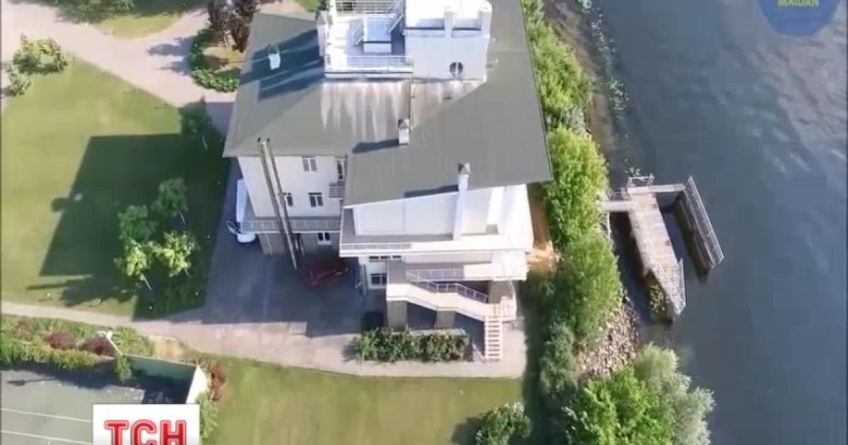 Журналисты нашли владельцев имений на территории Труханового острова
