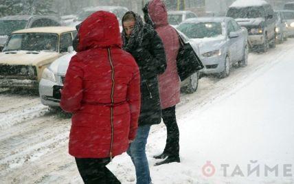 В Одесі пішов сильний сніг, місто паралізоване