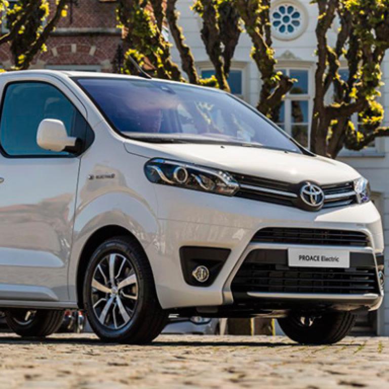 Toyota представила повністю електричний фургон