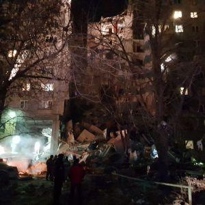 У Магнітогорську біля будинку, де стався обвал, вибухнула маршрутка