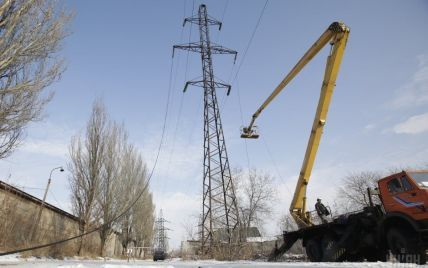 Росія тягне електрокабель до окупованого Донбасу і зводить підстанції – координатор блокади