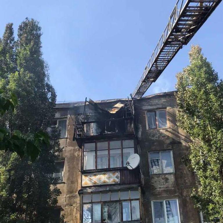 Пожежники повністю загасили пожежу в багатоповерхівці у Новій Каховці
