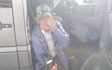 Ударил пенсионера дверью по голове: в Запорожье наказали компанию-перевозчика, маршрутчик которой едва не убил дедушку