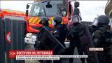 В парижском аэропорту исламист напал на военных