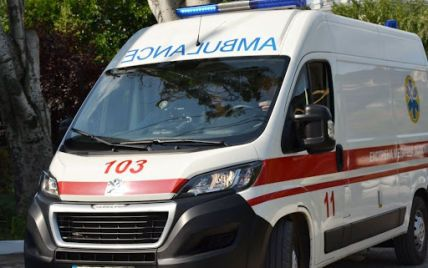 14-річна дитина зірвалась зі 10-метрової висоти на скелю в Коростені