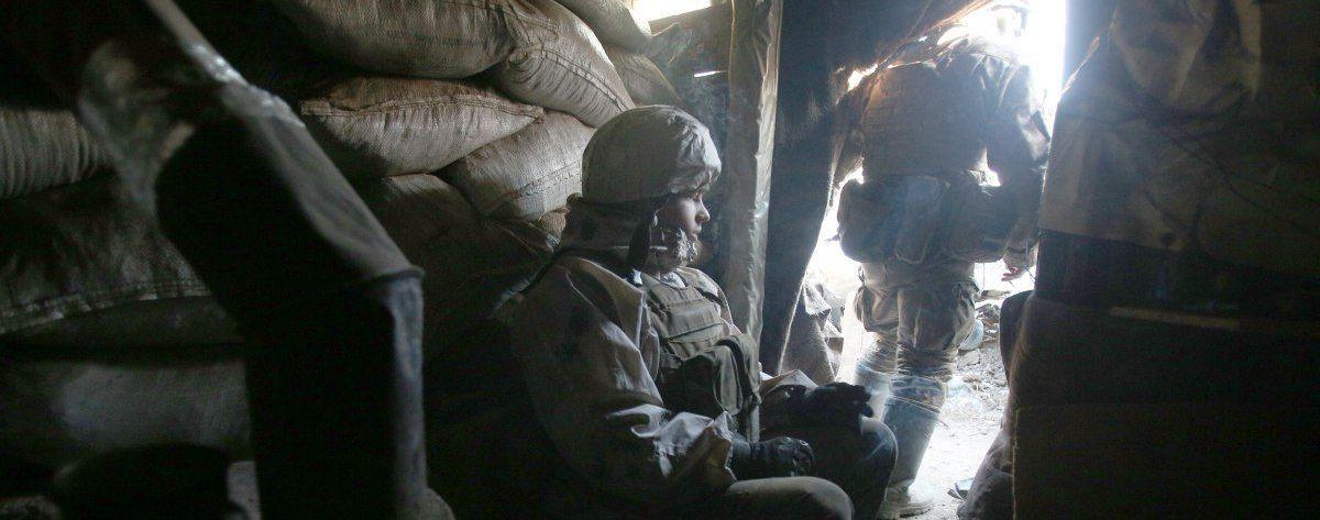 """На Донбасі російські найманці знову порушили режим """"тиші"""" і поранили українського бійця"""