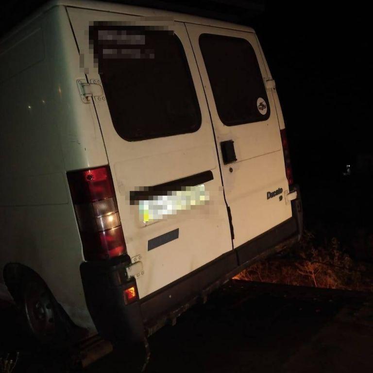 П'яний водій в Одеській області хотів втекти від патруля, але при невдачі покусав і побив копів