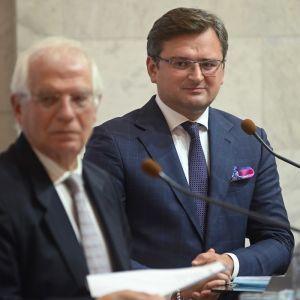 """""""ЕС с вами"""": Боррель заявил о поддержке Украины на фоне обострения в зоне ООС"""