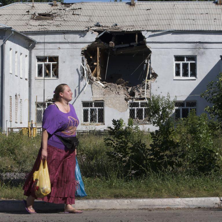Как решить конфликт и является ли Россия агрессором: что думают жители подконтрольного Донбасса о войне на Востоке