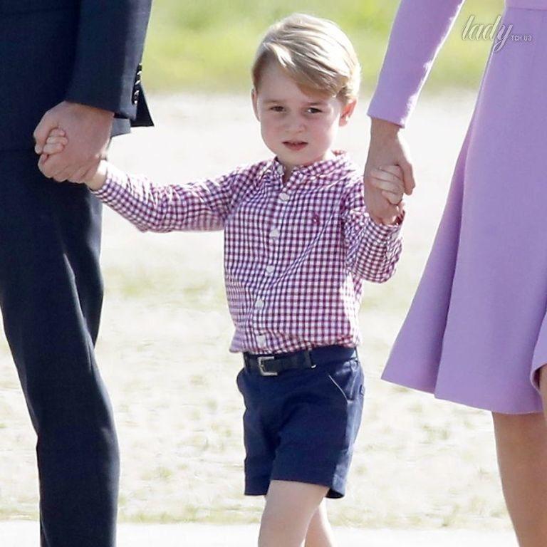 Первый раз в первый класс: сын герцогини Кембриджской и принца Уильяма идет в школу