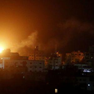 ХАМАС обстреливает Израиль в ответ на атаку на Сектор Газа