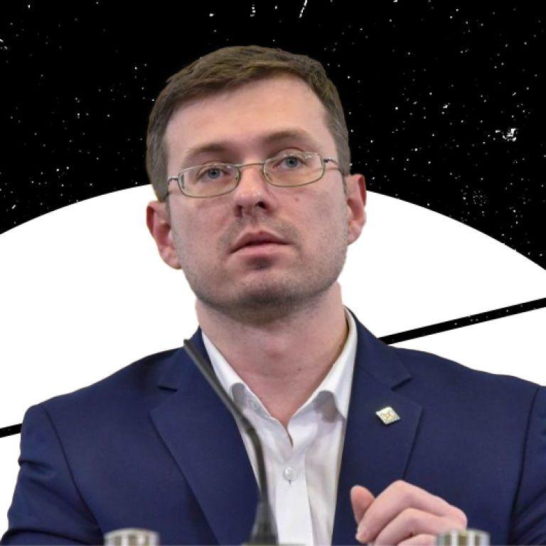 Чому в Україні нестача вакцин та чи треба готуватися до осінньої хвилі коронавірусу: інтерв'ю з головним санлікарем Ігорем Кузіним