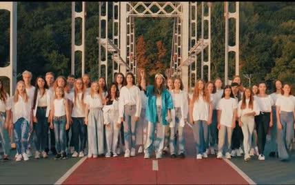 """Jerry Heil вместе с фанатами спела песню об Украине: """"Это современный гимн молодежи"""""""