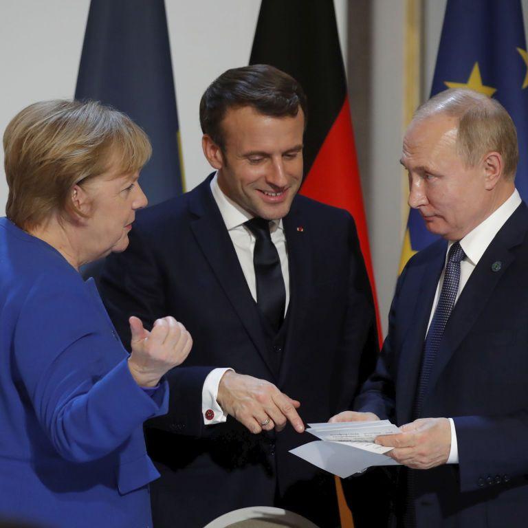 Впервые после аннексии Крыма: FT узнал о желании Меркель и Макрона пригласить Путина на саммит ЕС