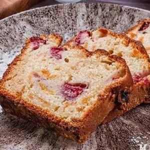 Йогуртовий пиріг з малиною і курагою від Євгена Клопотенка