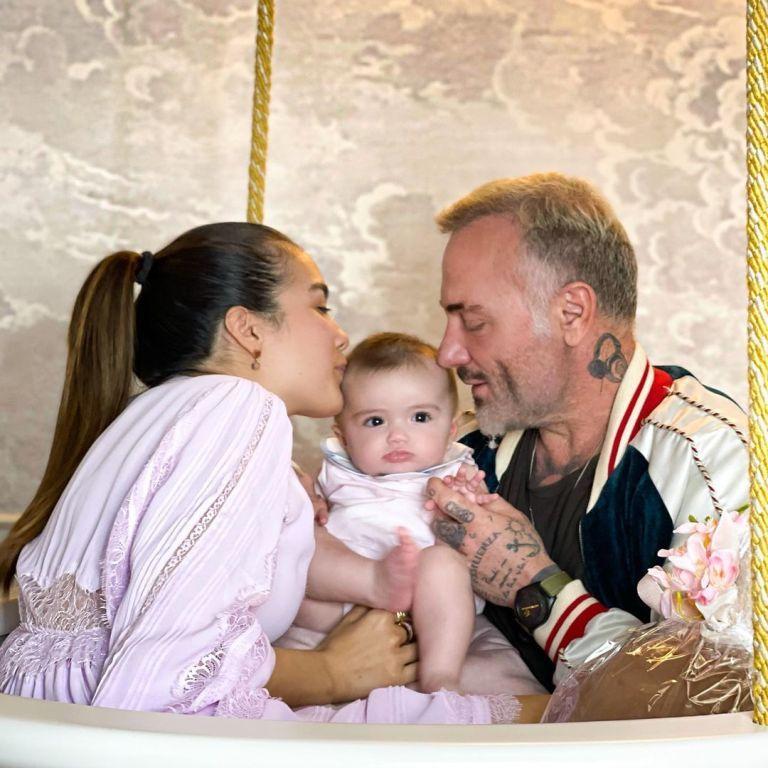 Джанлука Ваккі замилував енергійною сальсою з крихітною донечкою на руках