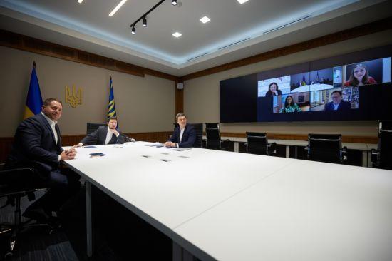 Компания Facebook получила от президента Зеленского предложение открыть представительство в Украине