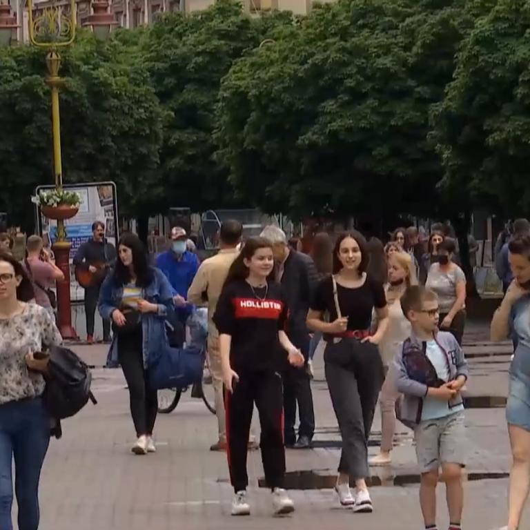 Наслідки нехтування карантином: як реагує на сплеск коронавірусу уряд України та досвід Європи