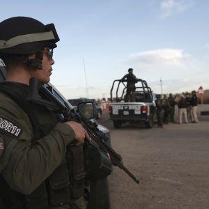 У Мексиці внаслідок обвалу шахти семерогірників опинилися в пастці