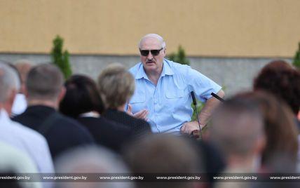 Белоруса отправили в тюрьму за анекдот про Лукашенко в соцсети