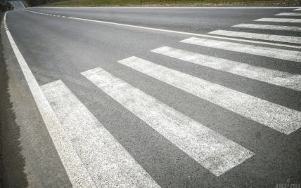 9-річну дівчинку на пішохідному переході у Львівській області збило авто: дитину госпіталізували