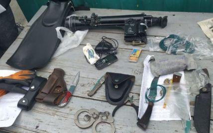 На кордоні з Україною затримали росіянку зі снайперським прицілом