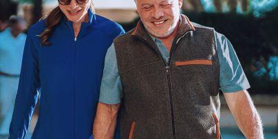 У спортивній олімпійці і за руку з чоловіком: королева Йорданії Ранія показала миле сімейне фото