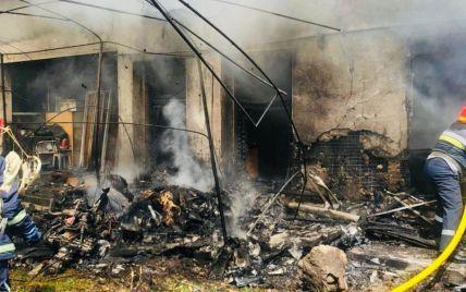 Дом на Прикарпатье, на который упал самолет, восстановлению не подлежит: в нем жили три семьи