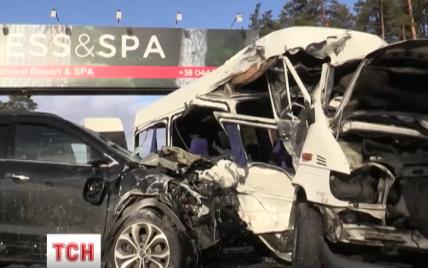 Важка ДТП на Гостомельській трасі сталася з вини водія маршрутки
