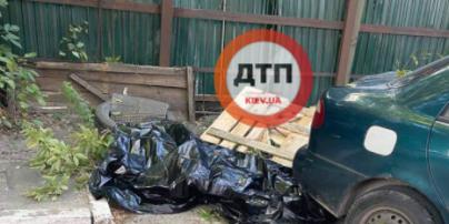 Загинув миттєво: у центрі Києва будівельник упав з висотки