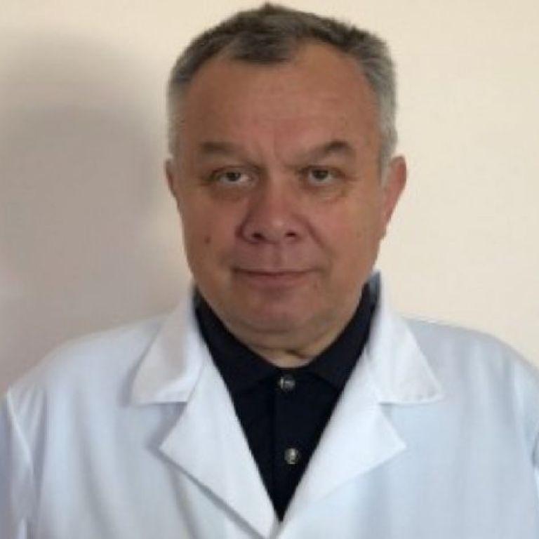 Відомого львівського хірурга знайшли мертвим у власному кабінеті