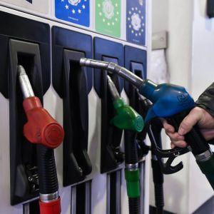 Українським АЗС встановили нову граничну вартість пального: якою повинна бути максимальна ціна бензину та дизеля