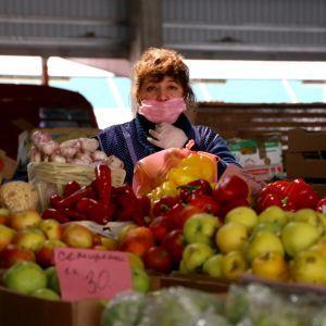 Закрытые заведения питания и импорт в супермаркетах: как украинские фермеры продают свою продукцию во время карантина