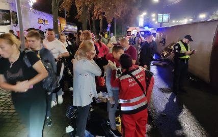 В Киеве перевернулся пассажирский автобус Кишинев — Москва: что известно о пострадавших (видео)