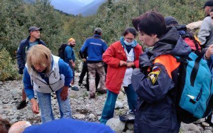 У Росії на туристичну групу обвалився льодовик: двоє жінок загинули