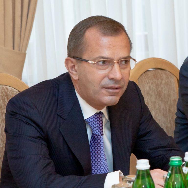 Команда Януковича против Совета ЕС. Клюев пытается добиться отмены санкций