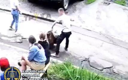 Буцав ногами і зламав ніс: у Харкові суд виніс вирок 16-річному підлітку, який жорстоко побив дівчину
