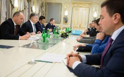У Порошенко собралась вся политическая верхушка Украины на переговоры за закрытыми дверями