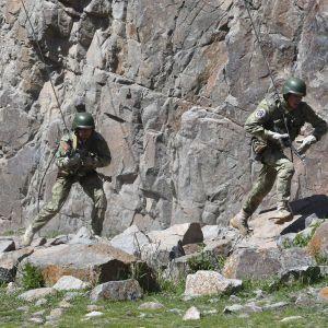 Таджикистан и Кыргызстан завершили отвод войск от границы: от пуль погибли более 30 человек